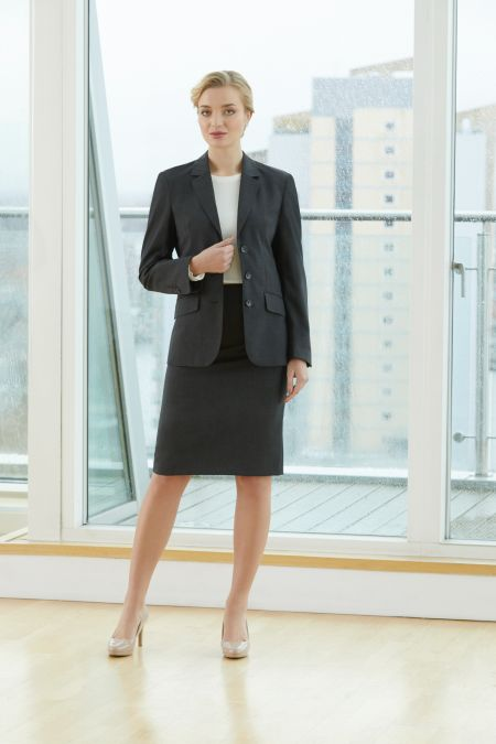 Add some structure to your wardrobe with ladies' suits from Ann Taylor. Some days you need to look like you mean business. When the occasion calls for a sharp, fitted look, search no further than our perfect one-button blazers, sleek sheath dresses, and straight leg pants in classic, curvy, and modern fits.